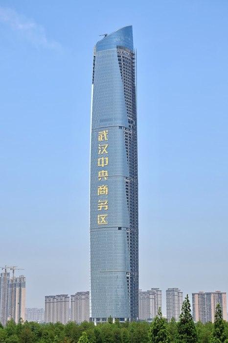 Новый небоскреб «Wuhan Center», построенный в городе Ухань провинции Хубэй, достиг высоты 438 м. (Китай). | Фото: ru.wikipedia.org.