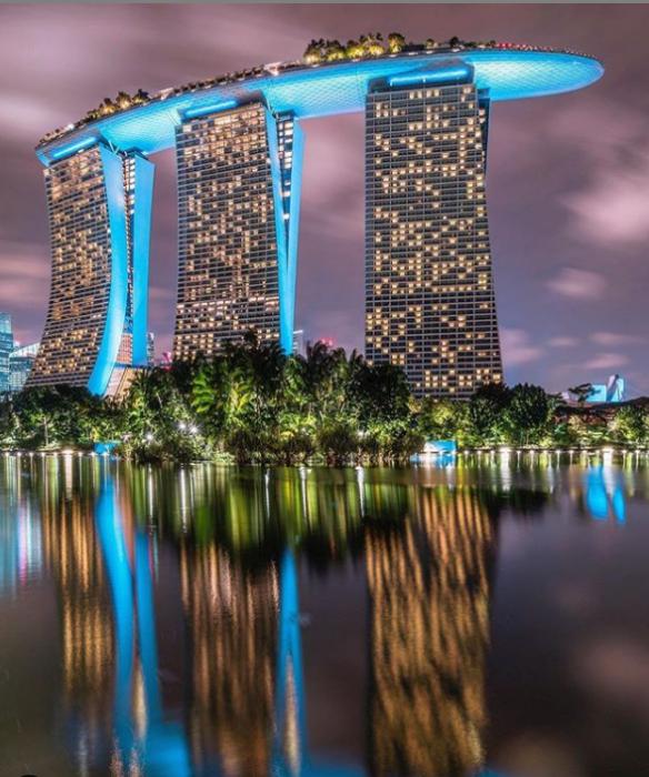 Сингапурский отель Marina Bay Sands – самый необычный отель мира (респ. Сингапур). | Фото: instagram.com/ Lee Mumford.