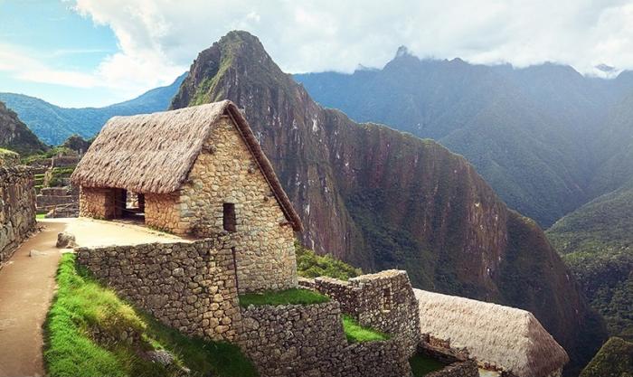 Скромные жилища небогатых инков строились из необработанных камней (Перу). | Фото: viralbandit.com.