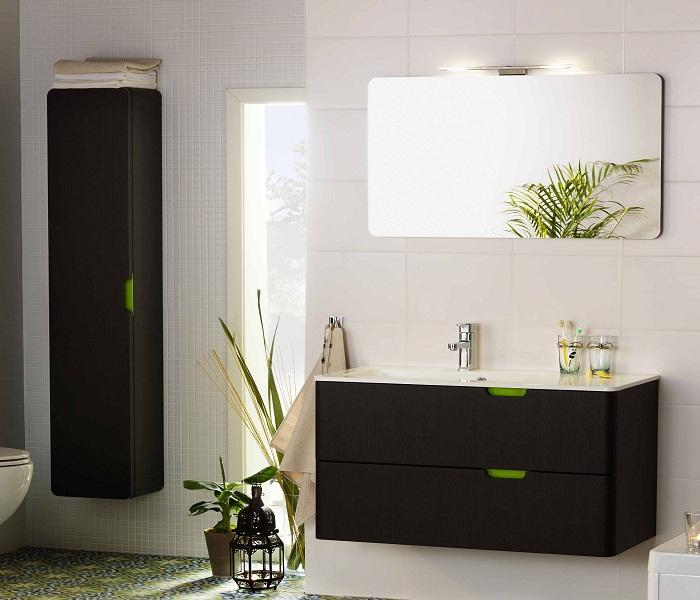 Компактная мебель в интерьере ванной комнаты.