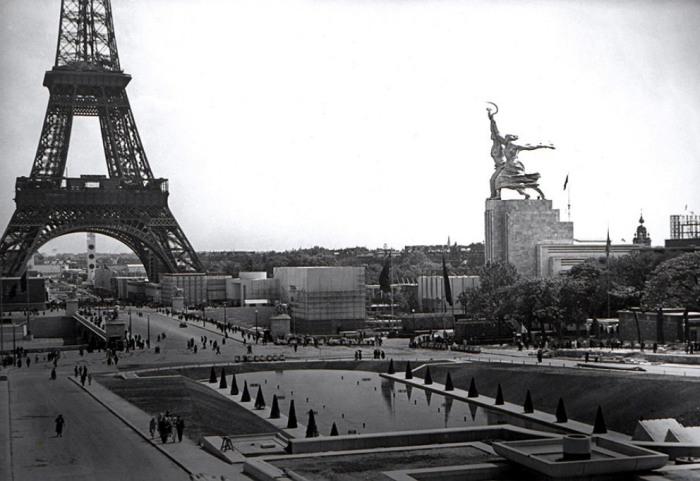 Скульптурную композицию «Рабочий и колхозница» В. Мухина создала для оформления павильона СССР на Всемирной выставке в Париже 1937 г. | Фото: rjadovoj-rus.livejournal.com