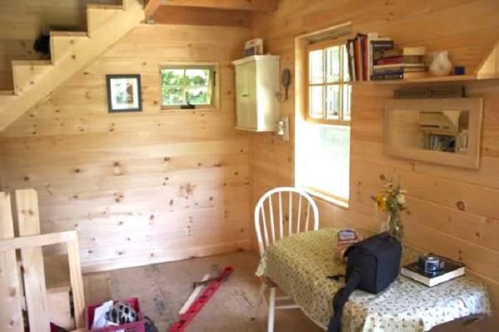 Деревянная отделка всего дома придает самобытность и создает особый уют.