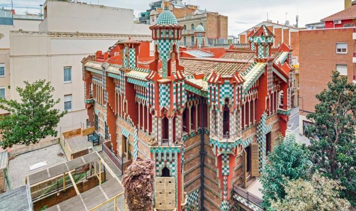Casa Vicens – дебютный проект Антонио Гауди (Барселона, Испания).   Фото: barcelona-tourist-guide.com.