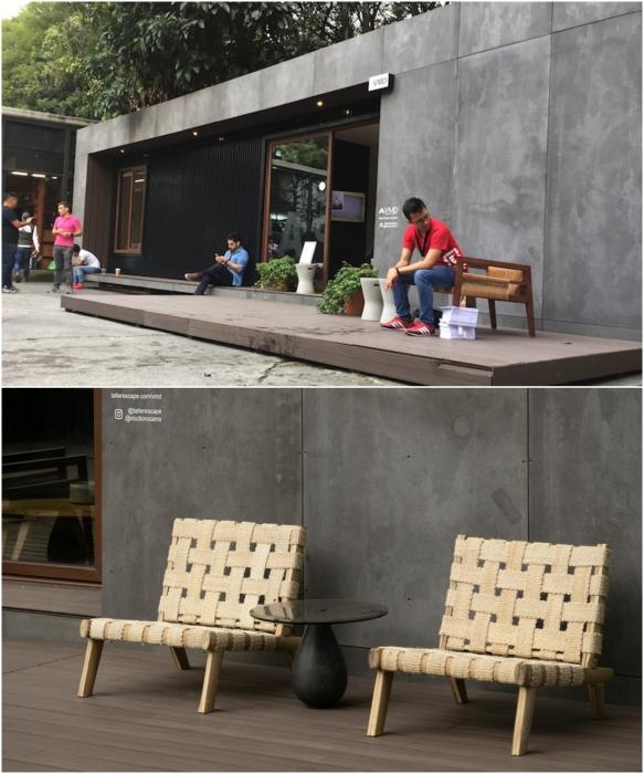 В комплект домика входит открытая платформа для отдыха на свежем воздухе (VMD). | Фото: saint-gobain.com.mx/ © Helioz Studio.