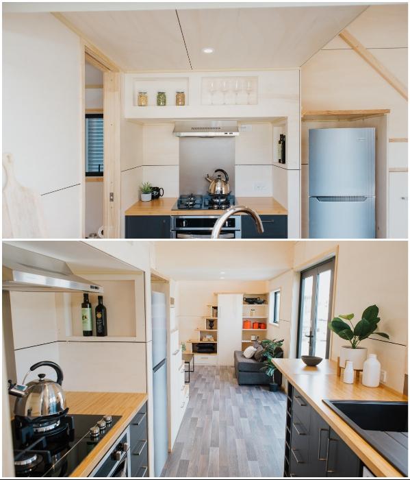 В мини-резиденции «Home Haven» на колесах поместилась укомплектованная современной техникой и мебелью кухня (Новая Зеландия). | Фото: newatlas.com.