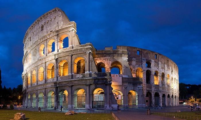 Колизей – жемчужина архитектуры и самая известная туристическая достопримечательность Италии. | Фото: planetofhotels.com.