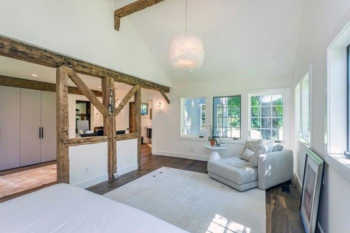 Новые дизайнерские решения помогают сформировать современную стилистику дома.