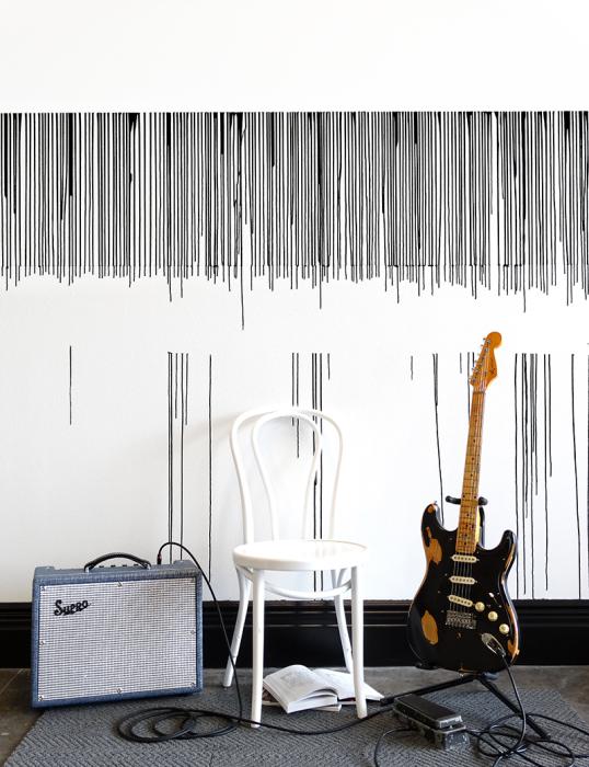 Такую акцентную стену мебелью загромождать нельзя.   Фото: pdxpro.org.