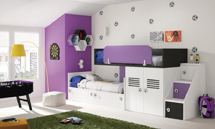 Многофункциональные шкафы и полочки в интерьере детской комнаты.