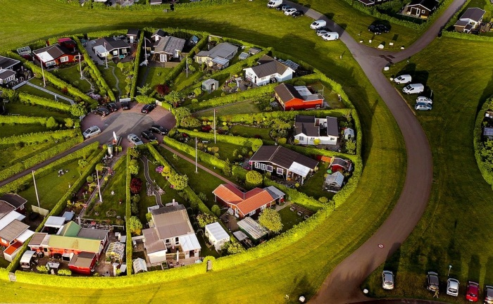 Каждый круг разделен на 16 равноценных участков-секторов (Брондбю, Дания). | Фото: twitter.com/ Henry_Do.