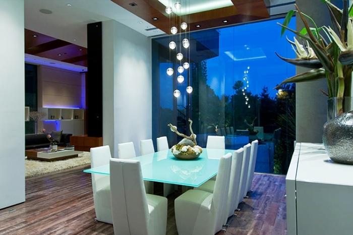 В доме Билла Гейтса оформлено несколько столовых. | Фото: w7phone.ru.