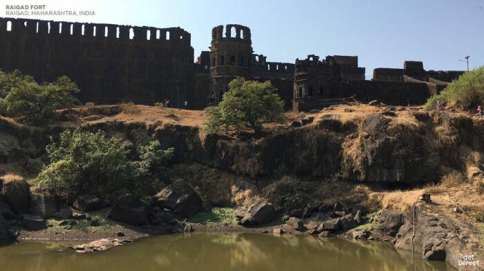 С 1674 г. горный форт Райгард был столицей империи маратхов (Индия). | Фото: viagens.sapo.pt.