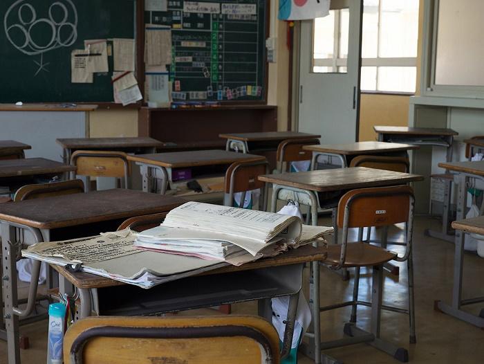 Эти классы ученики покинули еще 10 лет назад (Фукусима-1, Япония). | Фото: telegraf.com.ua.