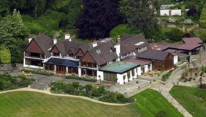 Поместье Файнинг Хилл в живописной долине West Rother (Чичестер, Великобритания). | Фото: jewishbusinessnews.com.