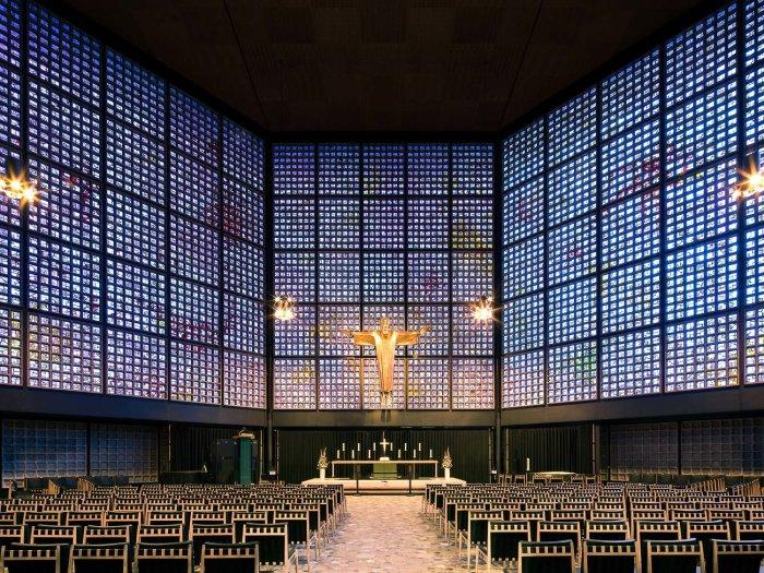 Мемориальная церковь кайзера Вильгельма, Берлин Германия (Egon Eiermann, 1961). | Фото: ©Thibaud Poirier.