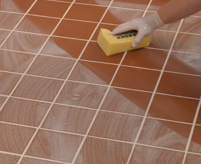 Перед оклейкой пленкой пол нужно тщательно вымыть. | Фото: piprolink.com.