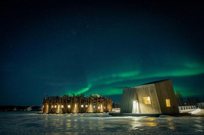 Посетителей отеля ждут восхитительные моменты в Полярную ночь («Arctic Bath», Швеция). | Фото: timeandleisure.co.uk.