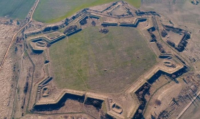 Для защиты южный земель государства была построена крепость Св. Анны. | Фото: moiarussia.ru