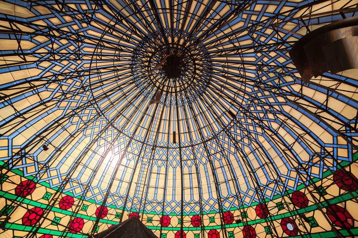 Невероятной красоты купол венчает фабрику-мечеть в Дрездене (Yenidze, Германия). | Фото: yenidze.eu.