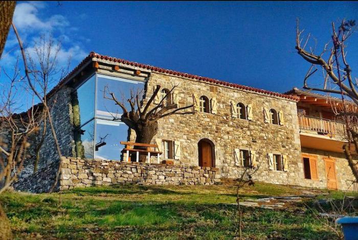 Албанский шеф-повар построил гостиный дом, в дизайне которого переплелись история и современность
