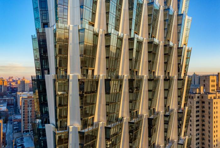 В каждой квартире или офисе удалось создать угловой выступ из стекла (One Hundred tower, Сент-Луис). | Фото: newatlas.com.
