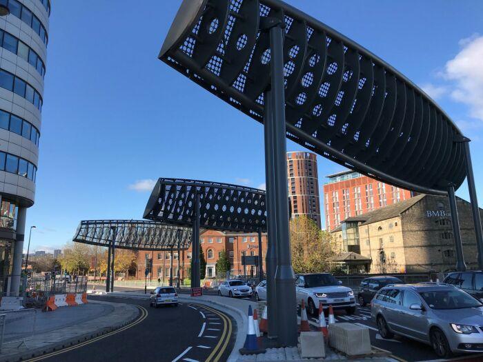 Неучтенные проблемы с усилением потока ветра в 5-6 раз заставили вносить конструкционные изменения (Bridgewater Place, Лидс). | Фото: shstructures.com.