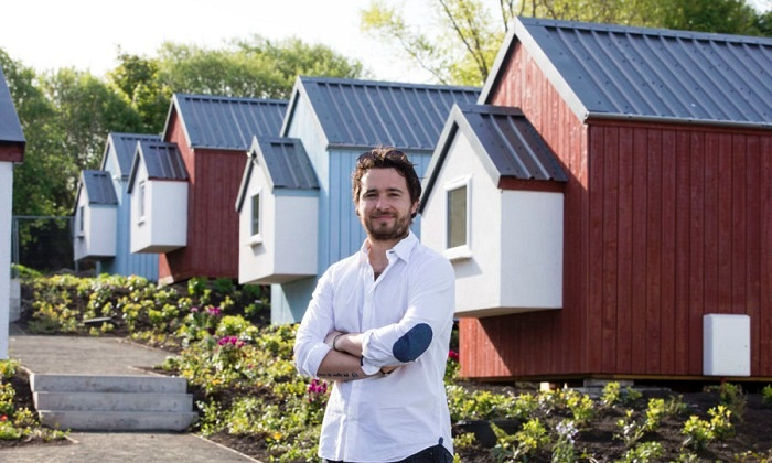 Шотландский ресторатор и филантроп Джош Литтлджон построил деревню для бездомных сограждан (Грантон, Эдинбург).
