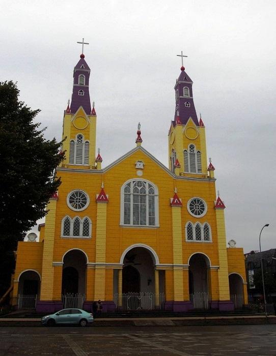 Главный собор Кастро — Церковь Святого Франциска (Iglesia Parroquial San Francisco de Castro).