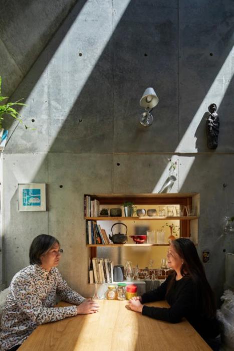 Минимализм и комфорт – приоритетные критерии в планировании внутреннего пространства дома семейной пары Hosaka («Love2House», Токио). | Фото: domain.com.au/ © Koji Fujii Nacasa & Partners Inc.