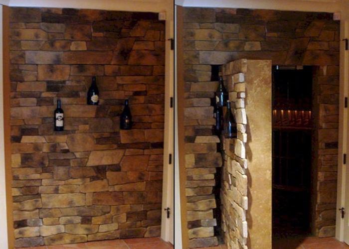 Оригинальная дверь в винный подвальчик мимо которой не пройдете.