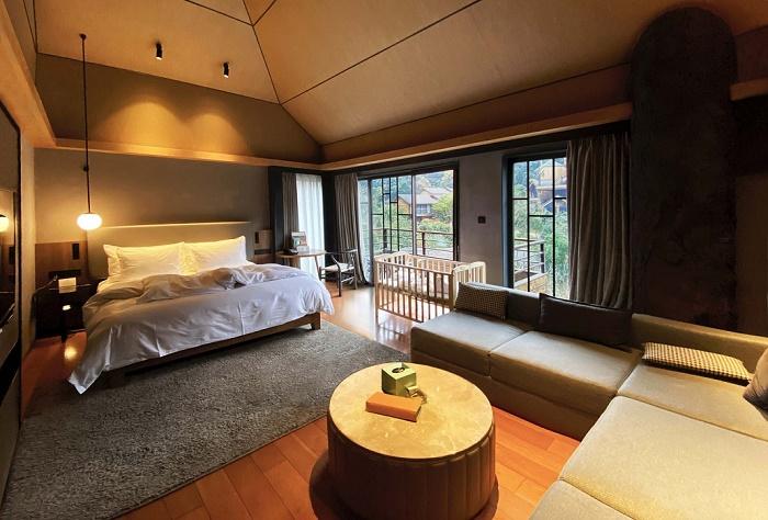 Интерьер деревянного домика на дереве поможет расслабиться и наслаждаться окружающей природой (Kaiyuan Senbo, Ханчжоу). | Фото: beautifullife.info.