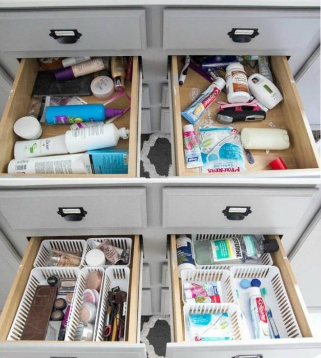 Небольшие пластиковые лотки внутри выдвижных ящиков помогут определить каждой вещи свое место. | Фото: decorating-hq.com.