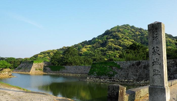 Все что осталось на данный момент от влиятельной столицы клана Мори (Замок Сидзуки, Япония). | Фото: viagens.sapo.pt.
