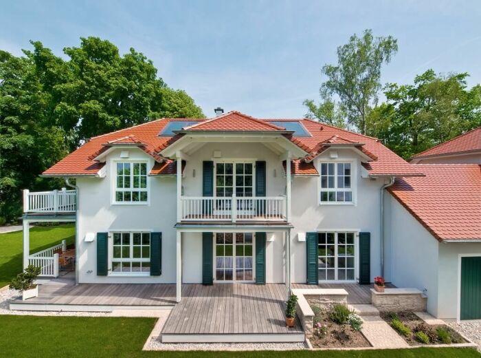 Немцы придумали как несколько поколений могут жить под одной крышей и не надоедать друг другу (Zweifamilienhaus). | Фото: kristianleontiou.com.