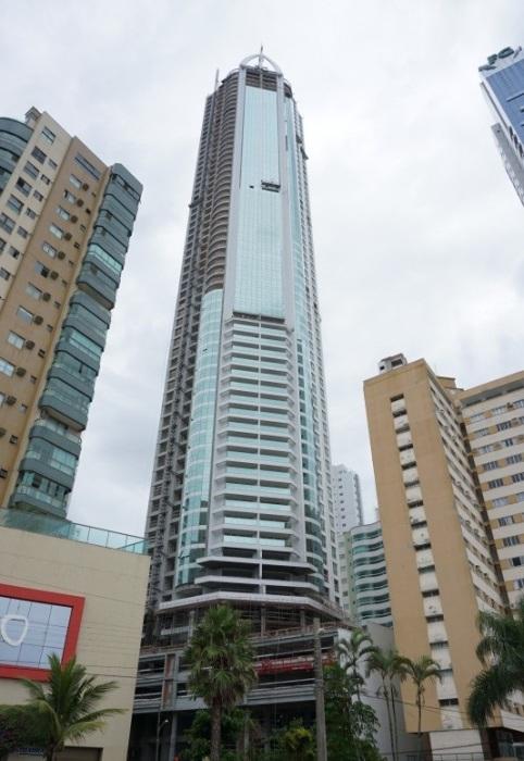 Разработкой и строительством небоскреба занималась бразильская архитектурная компания FG Empreendimentos. | Фото: skyscrapercenter.com.