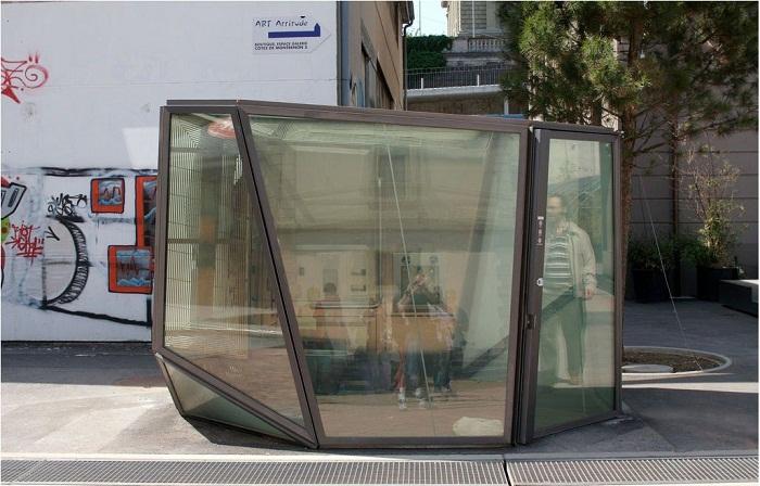 Прозрачные туалеты создал архитектор Оливье Рамберта (Швейцария). | Фото: wolfeislandmusicfest.com.