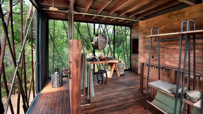 В «Ngala Treehouse» обустроена еще одна ванная комната более просторная (Kruger National Park, ЮАР). | Фото: first-class-and-more.de.