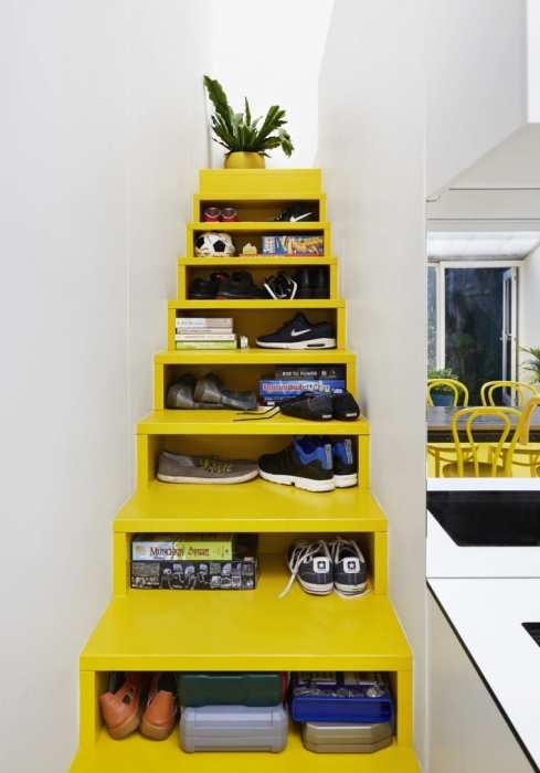 Многофункциональные лестницы могут быть и без ящиков. | Фото: apartmenttherapy.com.