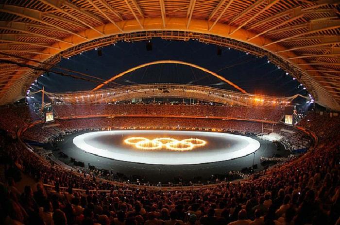 Так проходило грандиозное открытие летних Олимпийских игр в 2004 году на главной арене Афин.