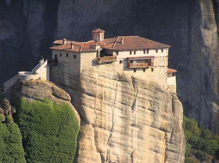 Монастырь Русану – самый неприступный из всех монастырей (Метеоры, Греция).