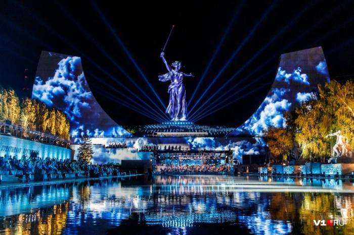 24 июня 2020 г. состоялось торжественное открытие монумента «Родина-мать зовет!». | Фото: ngs24.ru.