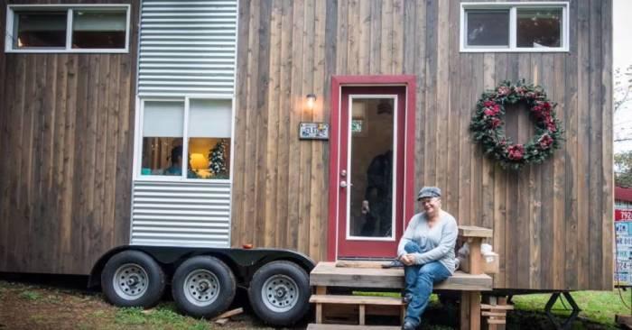 Крошечный домик Мишель обустраивала два года собственноручно и на свой вкус (My Empty Nest»).   Фото: infodays.ru.