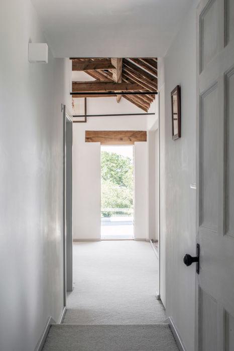 Практически вся древесина для внутренней отделки была взята с участка. | Фото: archidea.com.ua/ © Johan Dehlin.