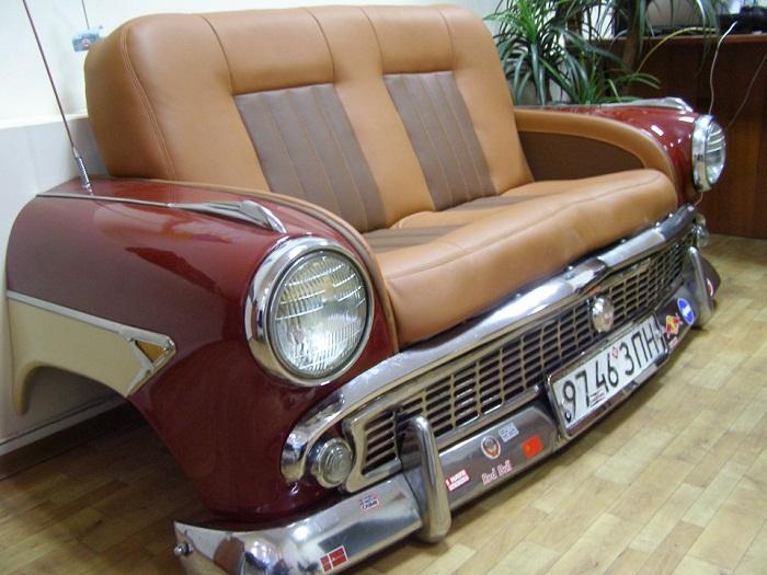 Такой стильный диванчик станет украшением прихожей или дачи.