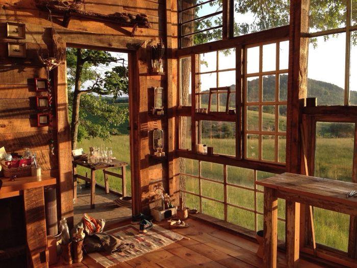 Невероятный вид из домика компенсирует все бытовые неудобства (The Sunset House, США). | Фото: casasincreibles.com.