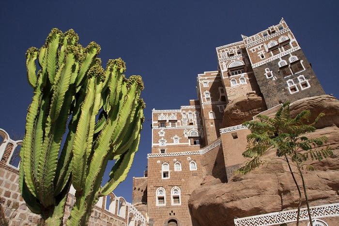 Семиэтажный дворец «Dar al-Hajar» служил летней резиденцией последнего имама Йемена. | Фото: cunoastelumea.ro.