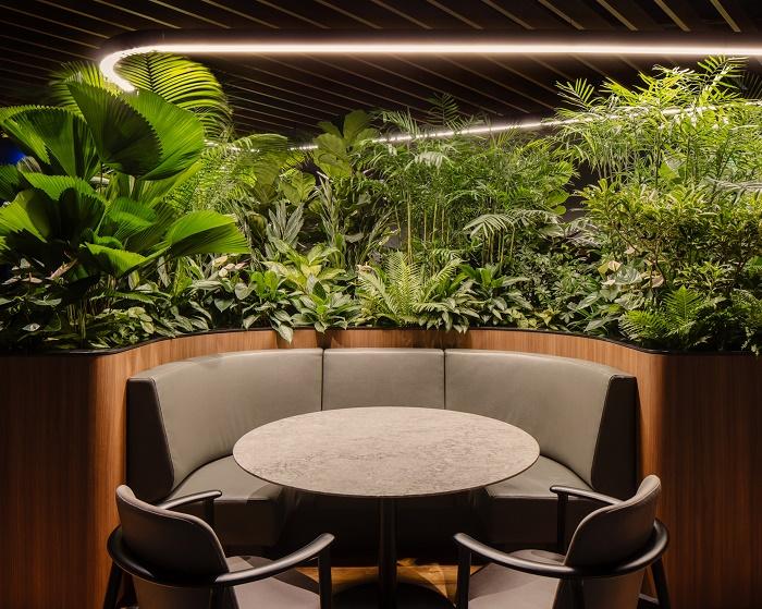 Уединенная зона отдыха на этаже VIP-клиентов Citigold (Citi Wealth Hub, Сингапур). | Фото: dezeen.com.