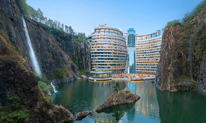 Открылся подземный отель Songjiang InterContinental в окрестностях Шанхая (Китай).