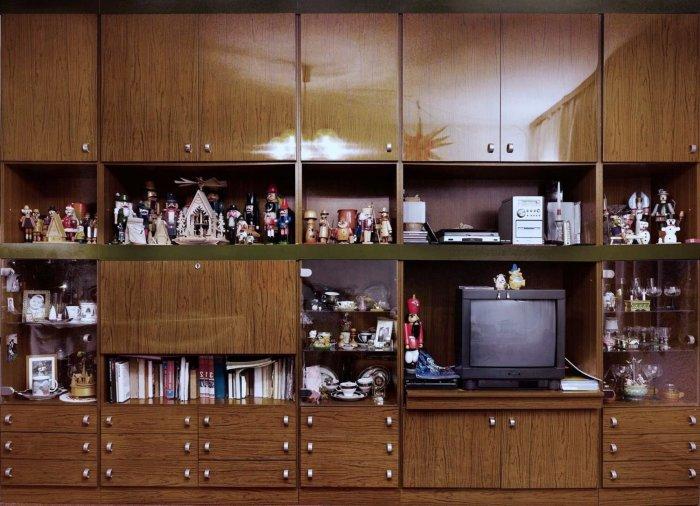 Все, что смогли «достать», надо непременно выставить напоказ. | Фото: legko.com.