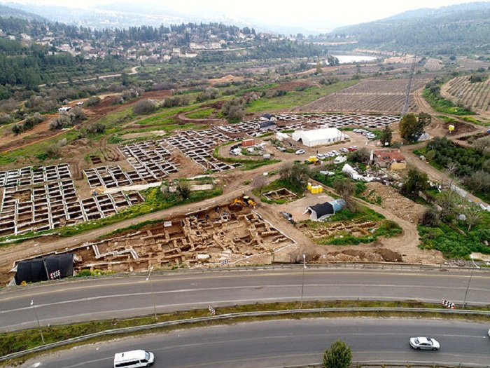 Перед строительством автомагистрали проводились исследования местности, где и был обнаружен древнейший мегаполис на земле (Motza, Израиль). | Фото: cn.com.ua.